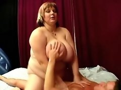 Chubby vixen gets cumload in mouth